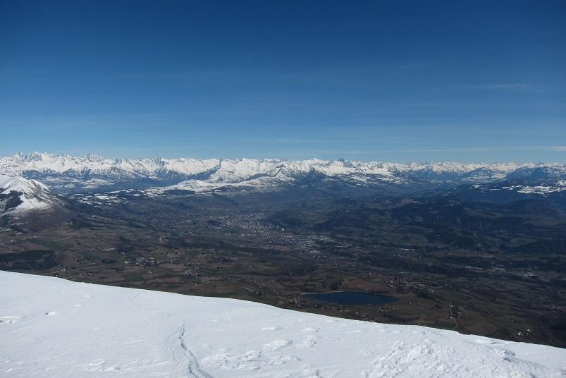 La vallée du Gapençais , ses lacs , les pré-alpes et le Parc National des Ecrins